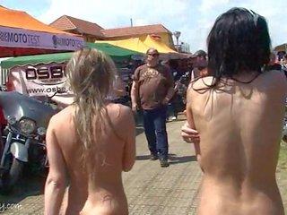 Hotovost připoutaný dospívající porno